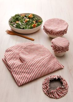 Eco-Friendly Alternatives to Plastic Household Items - Naturally Chic Dinnerware - Eco-Friendly Alternatives to Plastic Household Items Eco-Friendly Alternatives to Plastic Household Items Eco Friendly Kitchen Eco Friendly House, Eco Friendly Products, Eco Friendly Gift Ideas, Eco Friendly Cars, Sustainable Living, Sustainable Design, Zero Waste, Household Items, Plastic Waste