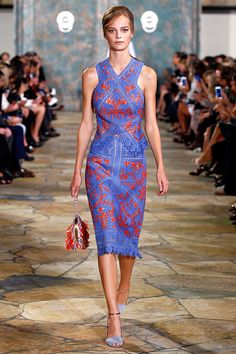 TORY BURCH      Show opener: a palette of poppy red and crisp blue, an unexpected pairing and a favorite of Tory's #toryburch #toryburchss16 #nyfw