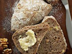 Pähkinäsämpylät http://www.yhteishyva.fi/ruoka-ja-reseptit/reseptit/pahkinasampylat/013998