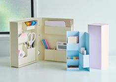 Cardboard Organizer, Cardboard Storage, Wooden Desk Organizer, Cardboard Furniture, Cardboard Crafts, Nifty Crafts, Diy Crafts Hacks, Diy Crafts For Gifts, Desk Organization Diy