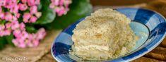 Zvláštností receptu je, že se tenhle jablečný koláč s drobenkou peče postupně po vrstvách, ale přitom to nijak nekomplikuje jeho přípravu, jen zkrátka než umícháte další vrstvu, dáte koláč péct do trouby. Ice Cream, Food, No Churn Ice Cream, Icecream Craft, Essen, Meals, Yemek, Ice, Eten