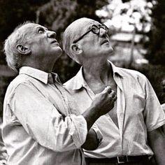 Pablo Picasso and Le Corbusier on the site of Unite d'habitation in Marseille 1949 | © FLC/ADAGP