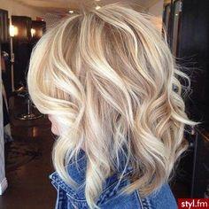 Fryzury Średnie Na co dzień Kręcone Rozpuszczone Blond