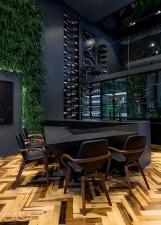 Modern interior House Design Trend for 2020 Home Design Decor, Home Bar Designs, House Design, Home Decor, Deco Originale, Dark Interiors, Architect House, Apartment Interior Design, Black Decor