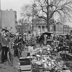 29 maart 1956. Famous flea market at Waterlooplein in Amsterdam. ©ANP #amsterdam…