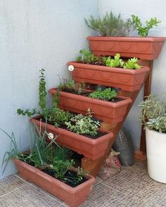 Vertical vegetable gardens 652107221030483997 - That will motivate you how to garden design beautiful vertical 42 Source by Veg Garden, Vegetable Garden Design, Garden Boxes, Diy Planters Outdoor, Garden Planters, Garden Crafts, Garden Projects, Concrete Garden, Small Gardens
