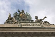 Vienna's museums - Beautifully elaborated statues on top of roof  Read more: http://www.traveltherenext.com/explore/item/140-viennas-museums  #austria #history #vienna #museum #architecture #europe #discover #experience #sisi #travel #traveltherenext