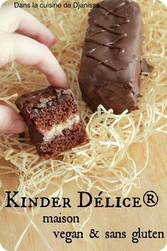 """*** SANS oeufs : Kinder Délice Maison *** ✔ (Recette testée : Réalisée version Noix de Coco (mélange de tofu soyeux et de crème/ purée de coco)_ L'effet """"Kinder Délice"""" est là _ (Notes : Moitié moins de tofu soyeux = suffisant_ Coup de main à prendre pour l'enrobage chocolat...)!✔"""
