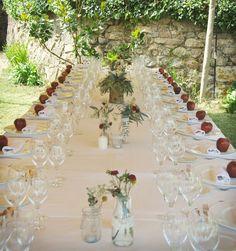 #Mesa de la #boda de #blancanieves  #eventos #event #wedding #decoracion #decoration #snowwhite #flores #manzana #blanco #natural #latarara