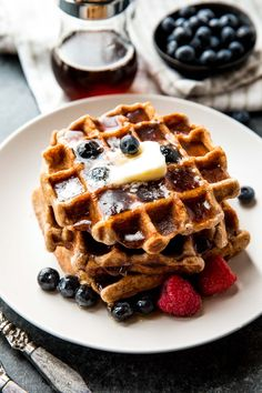 Here's how to make fluffy whole wheat waffles with easy healthy ingredients. Best way to start your morning!