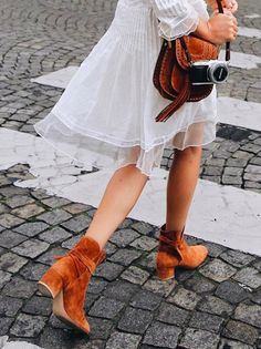 matching suede || chloe bag + steve madden booties