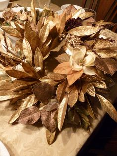 Bay Leaf Wreath - Gold
