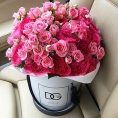Цветы в шляпных коробках в г.Москва Заказы по Tel/W'App:+7 (495) 799 17 23/+7 (903) 799 17 23 с 10-00 до 22-00 flower.lab@mail.ru