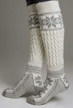 Knestrømper - Viking of Norway Winter Wear, Autumn Winter Fashion, Winter Socks, Warm Socks, Cozy Winter, Comfy Socks, Fashion Business, Boot Socks, Socks For Boots