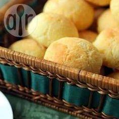 Pãezinhos de queijo deliciosos para o seu lanche da tarde. Cai muito bem com um cafezinho para acompanhar.