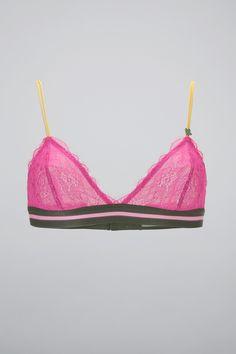 Soutien-gorge fushia dentelle Darling Stores, String Bikinis, Monshowroom, Bra, Swimwear, Fashion, Lace, Amor, G Strings