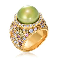 Kathleen Dughi Pistachio Pearl Ring with coloured and white diamonds in 18kt yellow gold.