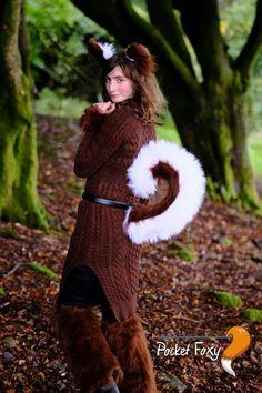 Animal Fancy Dress Stripe Tail Black//Bright Pink Luxury Faux Fur Fancy Dress