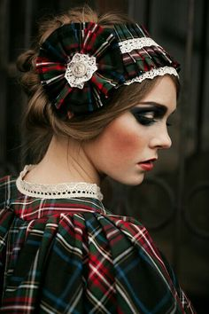 Plaid Wedding Dress, Tartan Dress, Tartan Plaid, Wedding Dresses, Winter Trends, Lumberjack Wedding, Tweed, Style Anglais, Tartan Christmas