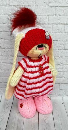 Crochet Doll Pattern, Crochet Toys Patterns, Stuffed Toys Patterns, Crochet Dolls, Doll Patterns, Homemade Toys, Doll Tutorial, Amigurumi Doll, Beautiful Crochet