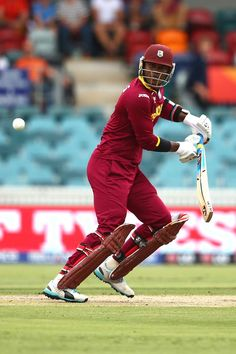 Marlon Samuels started scratchily but played a good hand in the partnership with Gayle