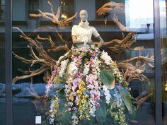 | Hacemos escaparates decorados con flor que hacen volar la imaginación ...