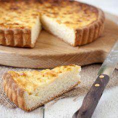 De beste rijsttaart, die koop je niet bij de bakker, maar die maak je gewoon zelf. Ideaal op zondag bij een kopje koffie of als krachtvoer voor de sporty's!