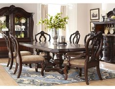 Villa Sonoma Dining Traditional Other by Havertys Furniture Here we have good picture about havertys dining room. We wish these photos c. Formal Dining Tables, Dining Room Table Chairs, Dining Room Sets, Dining Room Furniture, Furniture Design, Dining Decor, Luxury Furniture, Chair Design, Antique Furniture