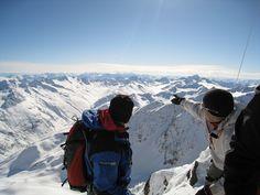 Beergtour Skifahren im Winter in den Ötztaler Alpen - Blick vom Gipfel der Wildspitz