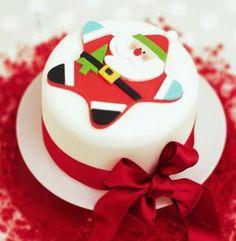 Close Up of Star Santa Christmas Cake Decoration Mini Christmas Cakes, Christmas Cake Designs, Christmas Cake Decorations, Christmas Minis, Christmas Cooking, Christmas Desserts, Xmas Cakes, Holiday Cakes, Holiday Foods
