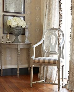 Living room Whitewashed Cottage chippy shabby chic french country rustic swedish decor idea Minus the wallpaper Swedish Decor, French Decor, French Country Decorating, Swedish Style, French Style, Scandinavian Style, French Country Curtains, French Country House, Country Interior