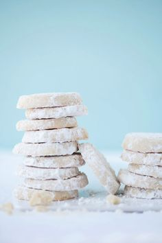 Gluten Free Lemon and Almond Meltaways :: Cannelle et Vanille