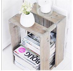 wooden crate re-purposed magazine storage Cheap Home Decor, Diy Home Decor, Room Decor, Style At Home, Magazine Storage, Magazine Rack, Magazine Stand, Magazine Table, Magazine Plus