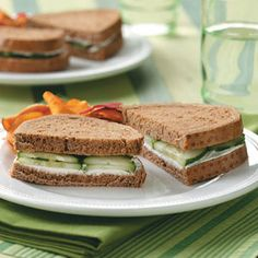 17 Tea Sandwich Recipes - Looking for the perfect sandwich recipe to serve at baby and bridal showers or afternoon parties? Our collection of tea sandwich recipes includes luncheon favorites like cucumber, crab and chicken salad sandwiches. Tee Sandwiches, Cucumber Sandwiches, Vegan Sandwiches, Bruschetta, Baguette, Vegetarian Recipes, Cooking Recipes, Tofu Recipes, Lunch Recipes