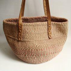 woven straw bag / sisal bag / southwestern woven bag / shoulder tote / jute purse / vintage bag