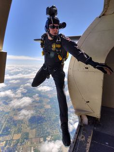 U.S. Army Golden Knights Jump at AirFest 2012 by ChicagoKoz, via Flickr