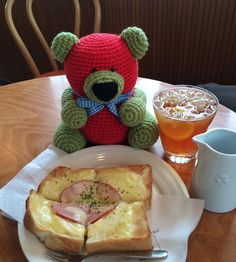 ecobear23:: eco bear is lunch time now. I want to eat with you. #Japan #Japanese#amigurumi #bear #ecology #ecobear #lunchtime #iwanttoeatwithyou #日本#編みぐるみ#クマ#エコベア#エコロジー #これからランチタイムです#あなたと一緒に食べたいなぁ