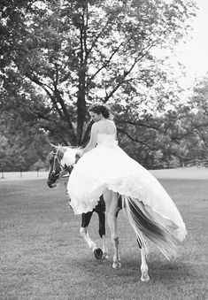 this bride rode her horse to her wedding ceremony! | Ashlee Culverhouse
