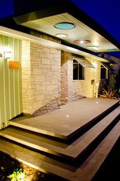 Mid-Century Modern Freak — 1952 Mid-century Tract Home Mid Century House, Mid Century Style, Mid Century Design, Porch Steps, Deck Steps, Mid Century Exterior, Mcm House, Modern Exterior, Midcentury Modern