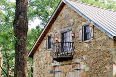 Faux Stacked Limestone: Faux Stacked Limestone Home Idea ~ General Inspiration Exterior Cladding, Exterior Trim, Barn House Conversion, Rustic Games, Barn Siding, Farmhouse Architecture, Converted Barn, Cabin Interiors, House Extensions