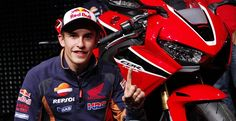 Ein Fingerzeig an die Konkurrenz? Marc Marquez, Bicycle Helmet, Motorcycle Jacket, Car, Jackets, Fashion, Honda Motorcycles, Down Jackets, Moda