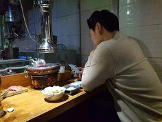 데일리한국:'이젠 혼자가 보편이다'…밥도, 여행도, 영화도, 노래방도: NEWEST TREND S KOREA'S MILLENNIAL GENERATIONS LIVING, EATING, TO GO WATCHING MOVIE ALONE....