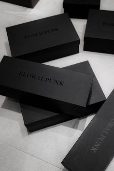Discover recipes, home ideas, style inspiration and other ideas to try. Black Packaging, Gift Box Packaging, Luxury Packaging, Packaging Ideas, Clothing Packaging, Fashion Packaging, Jewelry Packaging, Black Gift Boxes, Black Box
