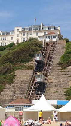 Cliff railway at Bournemouth beach. Bournemouth England, Bournemouth Beach, Dorset England, England Uk, Places To Travel, Travel Destinations, Places To Visit, Dorset Holiday, Dorset Coast