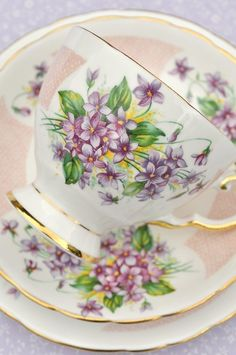 Violets china vintage teacup, saucer and tea plate trio Cup And Saucer Set, Tea Cup Saucer, Tea Cups, Vintage Dishes, Vintage China, Vintage Teacups, Décor Violet, Café Chocolate, Sweet Violets