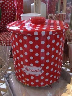 polka dots biscuits