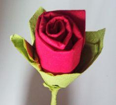 Hacer rosas de papel con servilletas