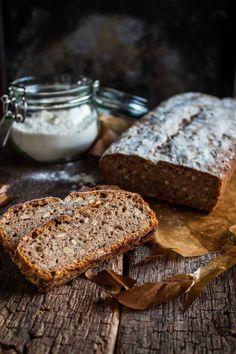 Marmolada: Chleb pszenno-żytni na zakwasie ze słonecznikiem.