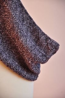 Chauffe Cou - Free Cowl - Worsted Weight - lovely texture and size. 450-500 yards needed.