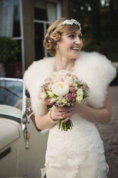 New wedding dresses vintage bouquets 40 ideas Vintage Wedding Colors, Vintage Bridal, Vintage Fur, Vintage Flowers, Vintage Weddings, Vintage Glamour, Vintage Pink, Best Wedding Dresses, Trendy Wedding